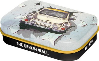 81237 Pastillirasia Trabant The Berlin wall